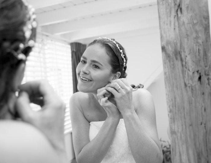 Bruid tijdens de ochtend in Noordwijk